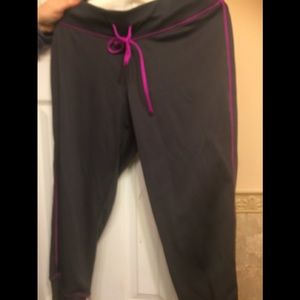 Pants - Champion cropped pants L nwot
